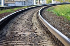 Spoorwegdraaien aan het recht stock afbeeldingen