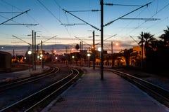 Spoorwegen bij schemering Royalty-vrije Stock Afbeeldingen