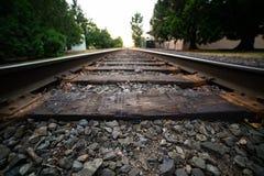 Spoorwegen die in de horizon gaan royalty-vrije stock foto
