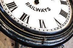 Spoorwegklok in roman cijfers bij het station van Sydney stock afbeeldingen