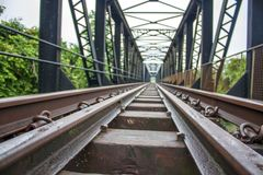 Spoorwegrivier overgang royalty-vrije stock foto's