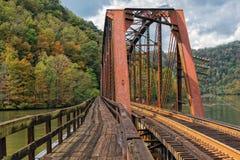 Spoorwegschraag bij het Park van de Staat van het Havikennest in West-Virginia Stock Foto