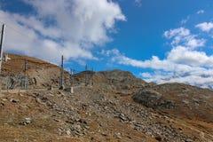 Spoorwegspoor, de trein van Gornergrat Bahn van Zermatt naar stock afbeelding