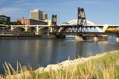 Spoorwegspoor en Robert Street Bridge. Saint Paul van de binnenstad, Minnesota Stock Fotografie