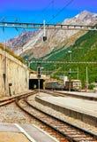 Spoorwegtrein Zermatt in CH stock afbeelding