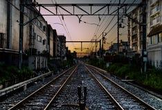 Spoorwegzonsondergang in Tokyo royalty-vrije stock afbeeldingen