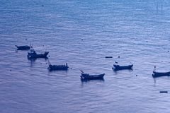 Sporadisches Fischerboot - Xiapu-Landschaft lizenzfreie stockbilder