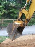 Sporcizia di scavatura dell'escavatore a cucchiaia rovescia Immagini Stock Libere da Diritti