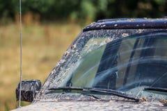 Sporcizia sull'automobile di estate fotografia stock libera da diritti