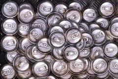 Sporco ricicli le latte di alluminio della bevanda Fotografia Stock Libera da Diritti