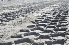 Sporen op het zand Royalty-vrije Stock Foto's