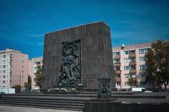 Sporen van Joods Warshau - Monument aan de Gettohelden Stock Fotografie
