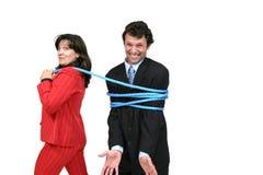 Sporgenza della donna di affari con la corda fotografia stock