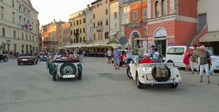 Sport-Autos Assic MG im Marktplatz Rovinj im Ausflug von Kroatien Lizenzfreie Stockfotografie