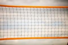 Sport d'été de volleyball Filet sur une plage sablonneuse Photo stock