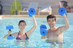 Sport d'Aquagym pendant l'été photo stock