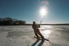 Sport d'hiver : ski et cerf-volant Image stock
