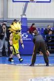 Sport de basket-ball en Ukraine, les moments actifs d'un jeu Photos stock