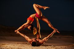 Sport, der Paare ausdehnt Stockbilder