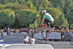 Sport di riciclaggio BMX della bicicletta del motociclista immagine stock libera da diritti