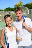Sport di tennis - giocatori delle coppie dei doppi misti Fotografia Stock Libera da Diritti
