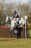 Sport equestre: il salto del cavallo Immagine Stock
