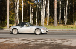 sport för silver för bilcoupe lyxig royaltyfria foton
