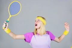 Sport für Instandhaltungsgesundheit Tennissport und -unterhaltung Aktive Freizeit und Liebhaberei Mädchen passte dünnes blondes S stockbilder