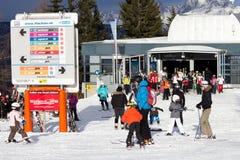 Sport invernali austriaci di sci delle alpi Fotografia Stock
