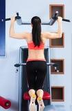 Sport kobieta ćwiczy gym, sprawności fizycznej centrum zdjęcie stock
