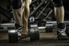 sport L'athlète fort méconnaissable va faire l'exercice photo libre de droits