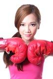 Sport młoda kobieta z bokserskimi rękawiczkami Zdjęcie Royalty Free