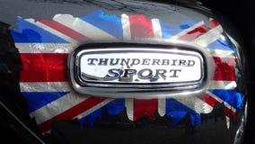 Sport-Motorradausweis Triumphs Thunderbird mit Union Jack-Flagge Lizenzfreies Stockbild
