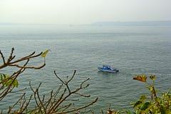 Sport pêchant dans le bateau Photographie stock libre de droits