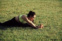Sport, pilates, yoga, allenamento, preparantesi Fotografia Stock