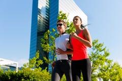 Sport urbani - forma fisica nella città Fotografia Stock Libera da Diritti