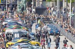 Sport-voitures rapides avant le début de l'événement public Gumball 30 Photographie stock libre de droits