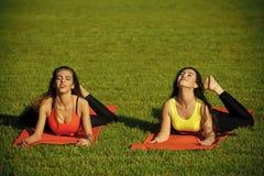 Sport, yoga, pilates, addestramento, allenamento Fotografie Stock