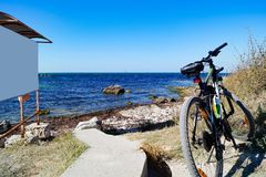 Sporta bicykl na plaży fotografia stock