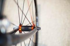 Sporta rowerowy frontowy axle z szybkim - rozłączenie toczy zdjęcie royalty free