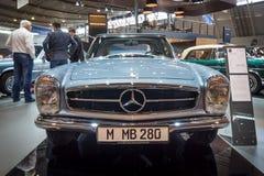 Sporta samochód Mercedes-Benz 280 SL W113, 1968 Zdjęcia Stock