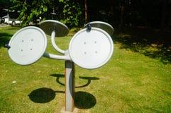Sportanlagen, im Gemeinschaftspark, damit Bewohner Eignungsdienstleistungen erbringen stockfotos