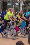 Sportar och vård- dag utomhus i Costa Brava i staden Palamos Roterande grupp 07 04 stad 2018 Palamos i Spanien Royaltyfri Fotografi