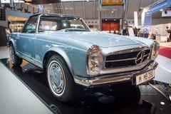 Sportauto Mercedes-Benz 280 SL W113, 1968 Stockfotografie