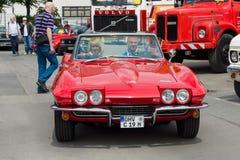 Sportbil Chevrolet Corvette Sting Ray Convertible (C2) Arkivbild