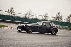 Sportbil på spår Royaltyfria Foton
