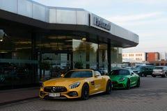 Sportbilarna av den Mercedes-AMG GT serien arkivbilder