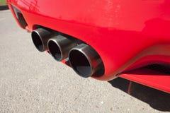 Sportbilavgasrörrör Arkivfoton