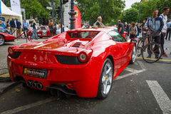 SportbilFerrari 458 spindel (efter 2011) isolated rear view white Royaltyfri Bild