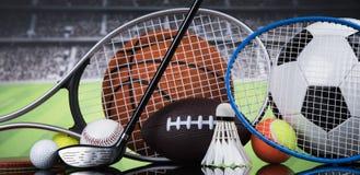 Sportbollar med utrustning Arkivfoto